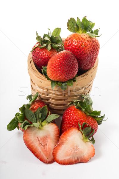 Morangos baga isolado branco comida folha Foto stock © hin255
