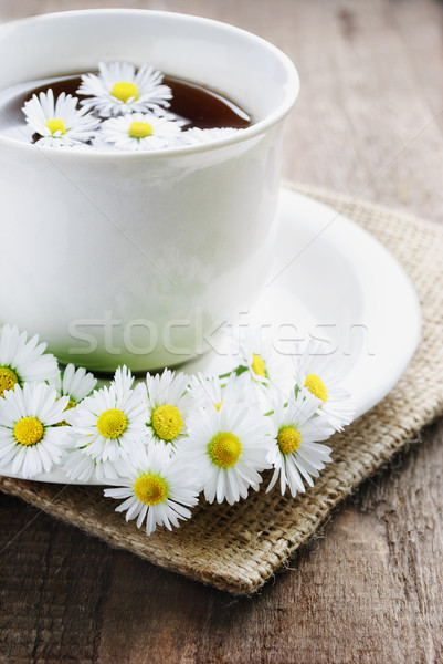 Tasse naturelles thé bois fleur Photo stock © hitdelight