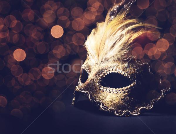 Venetiaans masker gouden zwarte achtergrond schoonheid veer Stockfoto © hitdelight