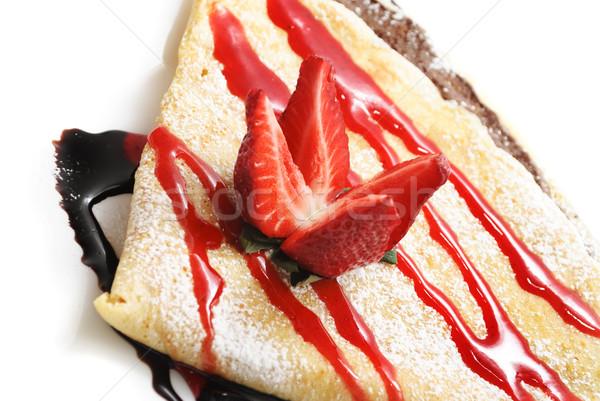Fragola decorativo pancake sciroppo di cioccolato alimentare Foto d'archivio © hitdelight