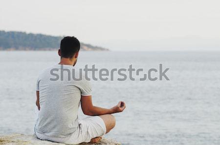 Foto stock: Meditação · moço · sessão · costa · meditando · praia