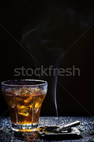 Vetro bevanda fredda tabacco freddo alcol bere Foto d'archivio © hitdelight