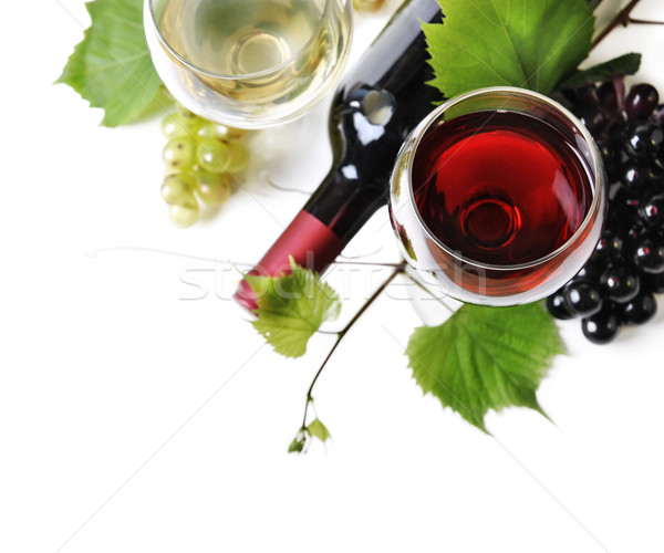 Vin de sticlă roşu alb fundal fruct Imagine de stoc © hitdelight