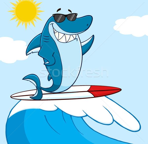 Foto stock: Sorridente · azul · tubarão · mascote · óculos · de · sol