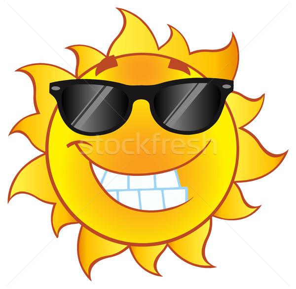 Gülen yaz güneş karikatür maskot karakter güneş gözlüğü Stok fotoğraf © hittoon