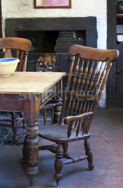 кухне старые мебель огня таблице Председатель Сток-фото © HJpix