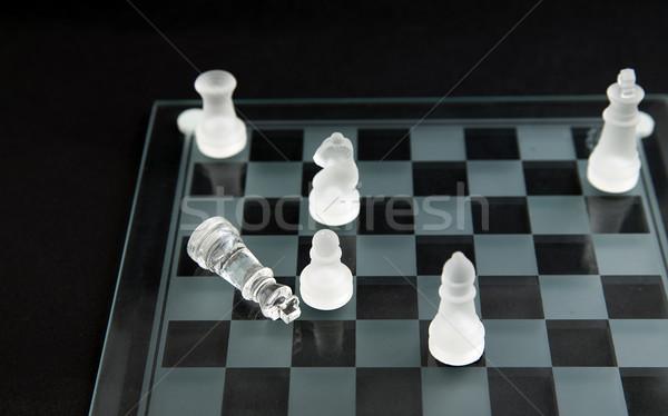 Glas schaken schaakmat dode koning achtergrond Stockfoto © Hochwander