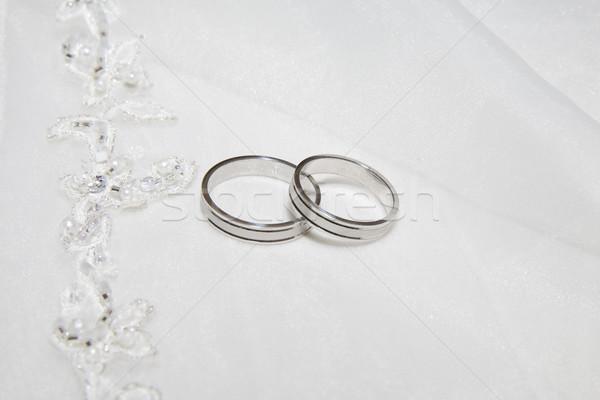 Kettő jegygyűrűk fotó szatén szövet művészet Stock fotó © Hochwander