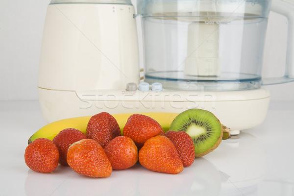 Fresco frutas pronto elétrico batedeira Foto stock © Hochwander