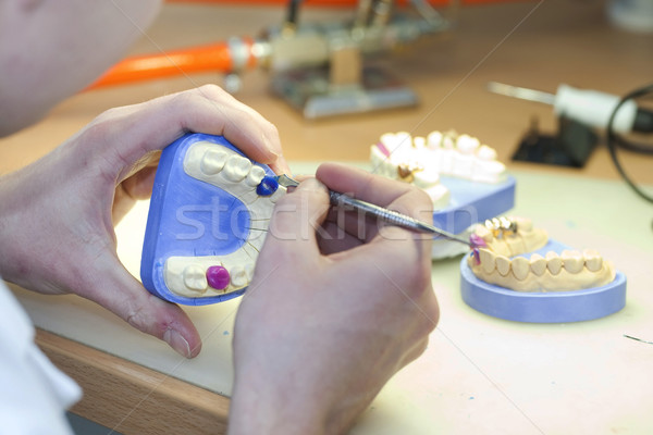 Stockfoto: Tandheelkundige · laboratorium · tanden · handen · technologie · geneeskunde