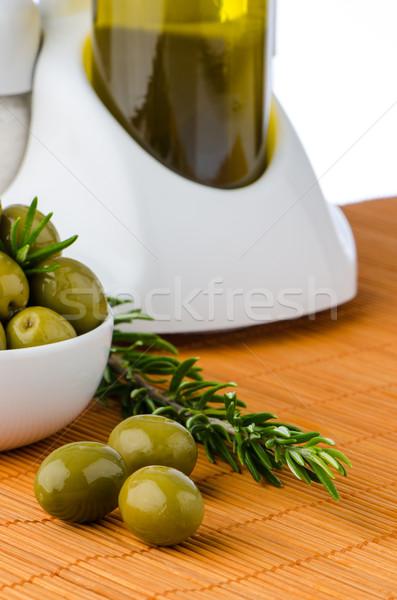 Yeşil zeytin beyaz seramik çanak yağ Stok fotoğraf © homydesign