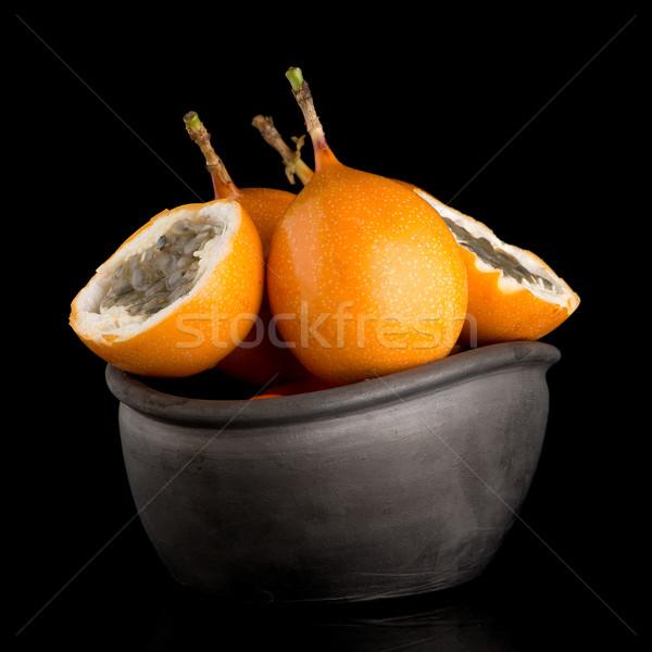 Pasión frutas cerámica negro tazón alimentos Foto stock © homydesign
