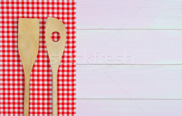 Konyhai felszerelés piros törölköző fehér fából készült konyhaasztal Stock fotó © homydesign