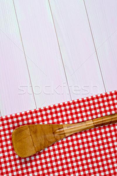 Mutfak gereçleri kırmızı havlu beyaz ahşap mutfak masası Stok fotoğraf © homydesign