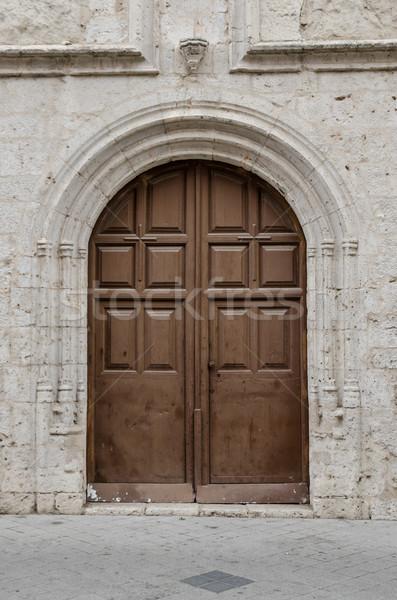 Oude houten entree deur gebouw architectuur Stockfoto © homydesign