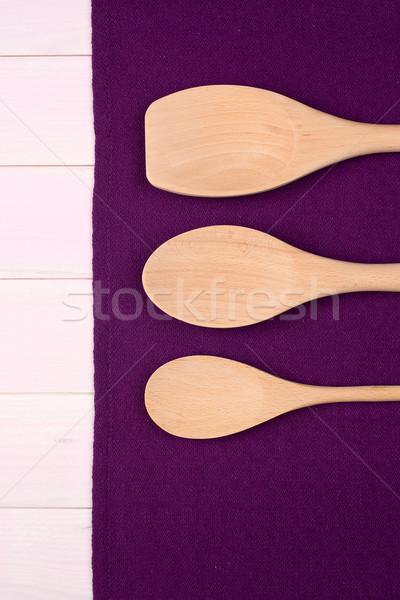 Utensílios de cozinha roxo toalha Foto stock © homydesign