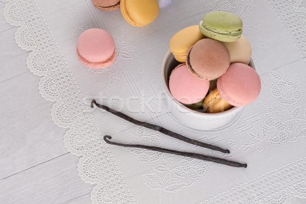 Classique macarons framboise café chocolat crème Photo stock © homydesign