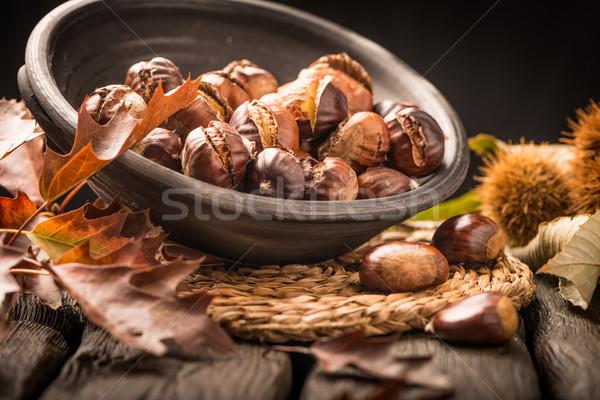Hojas rústico mesa de madera hojas de otoño frutas Foto stock © homydesign