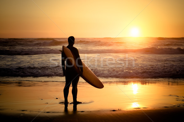 Foto stock: Surfista · viendo · olas · puesta · de · sol · Portugal · agua