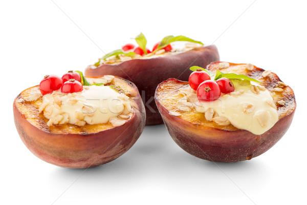 Grelhado pêssegos sobremesa delicioso isolado branco Foto stock © homydesign