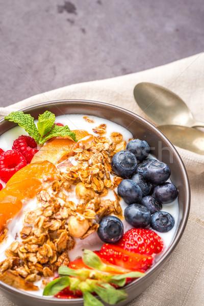 Joghurt sült granola bogyók kicsi tál Stock fotó © homydesign