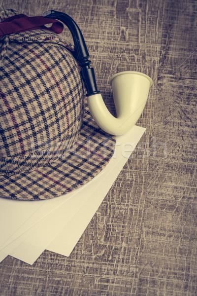 Chapeau tabac pipe vieux table en bois verre Photo stock © homydesign