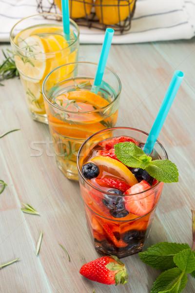 água cocktails mesa de madeira comida natureza Foto stock © homydesign