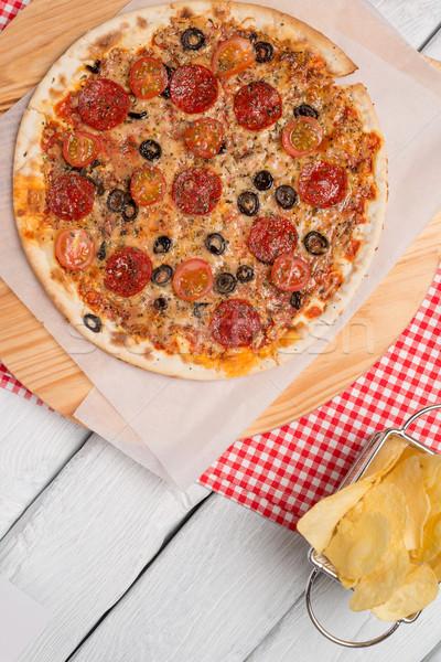 Olasz pizza felszolgált fa asztal közelkép fa Stock fotó © homydesign