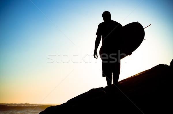 Surfer oglądania fale wygaśnięcia Portugalia wody Zdjęcia stock © homydesign