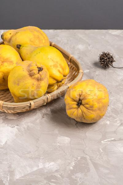 зрелый айва плодов кухне яблоко фрукты Сток-фото © homydesign