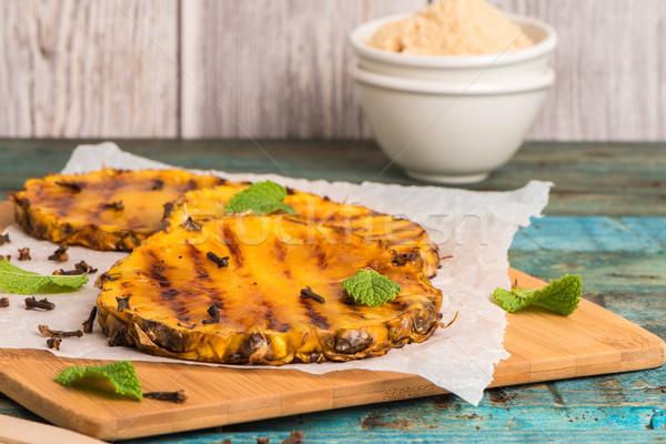гриль ананаса Ломтики деревянный стол продовольствие фрукты Сток-фото © homydesign