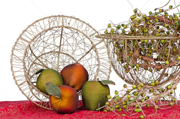Сток-фото: фрукты · корзины · поддельный · натюрморт · украшение · красный