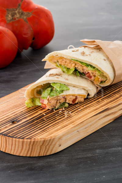 Tortilla frango legumes giz conselho tabela Foto stock © homydesign