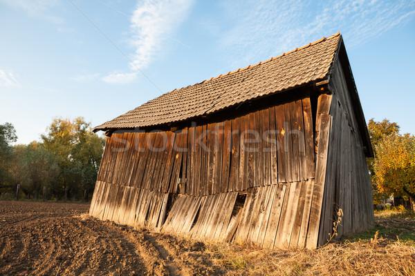 Vintage schuur oude houten boerderij gebouw Stockfoto © hraska