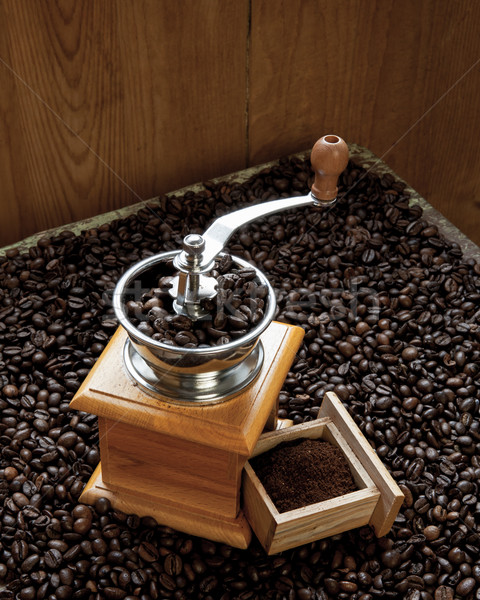Fèves café fraîches grains de café bois Photo stock © hraska