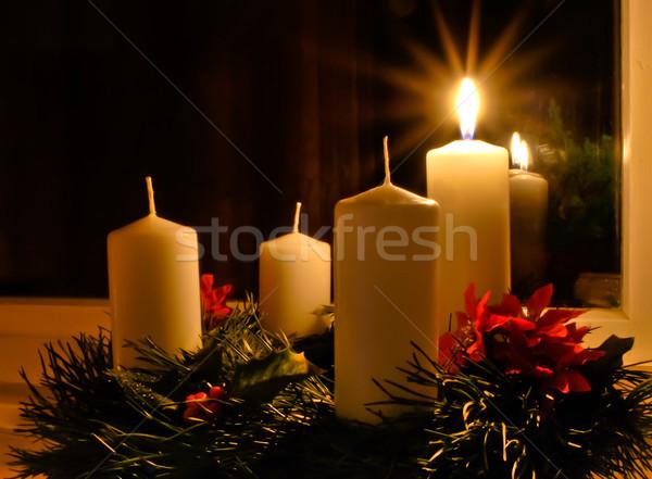 Aufkommen Kerzen Kranz Kerze Licht home Stock foto © hraska