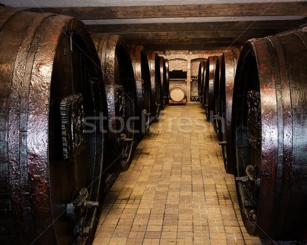 Ondergrondse opslag oude houten wijnkelder wijn Stockfoto © hraska