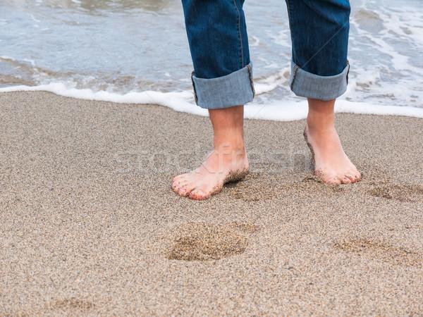 Bacaklar plaj detay erkek ayaklar dalga Stok fotoğraf © hraska