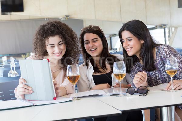 студентов группа счастливым экзамены просто расслабляющая Сток-фото © hsfelix