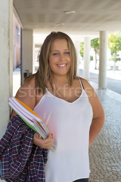 Nagy diák gyönyörű nő egyetem kampusz Stock fotó © hsfelix