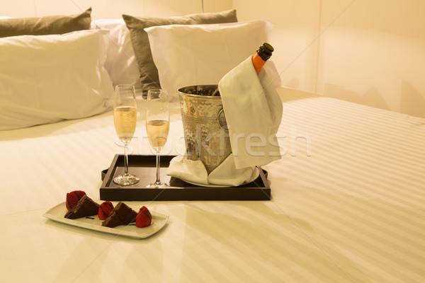 медовый месяц номер в отеле выстрел свадьба любви вино Сток-фото © hsfelix