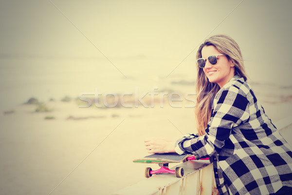 Bella skateboarder moda stile di vita skateboard Foto d'archivio © hsfelix