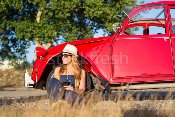 Stop kicsi fiatal nő pihen autó utazás Stock fotó © hsfelix