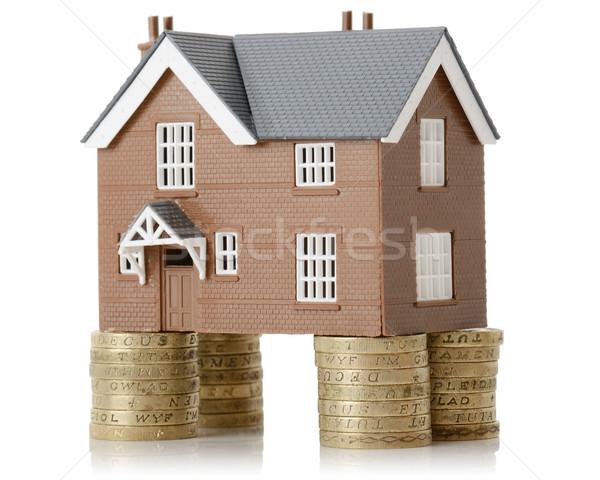 Ev değer yukarı para yalıtılmış beyaz Stok fotoğraf © hyrons