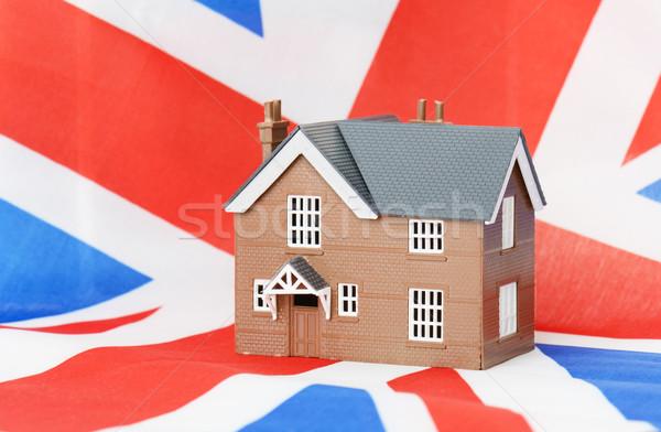 Inşaat ev gayrimenkul çatı yeni fotoğrafçılık Stok fotoğraf © hyrons