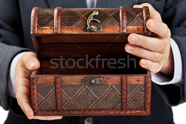Hand halten Schatztruhe Geschäftsmann alten antiken Stock foto © ia_64