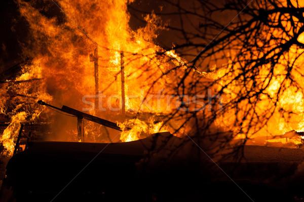 Stockfoto: Brandend · brand · vlam · houten · huis · dak