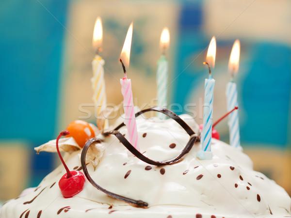 Foto stock: Bolo · de · aniversário · vela · festa · de · aniversário · celebração · doce · bolo