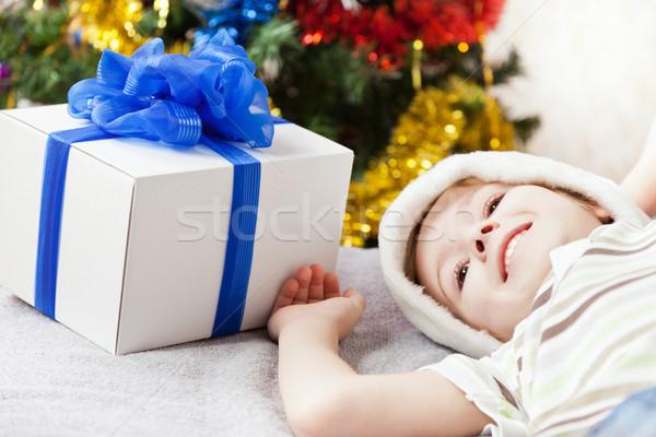 Uśmiechnięty dziecko chłopca nowy rok obecnej christmas Zdjęcia stock © ia_64