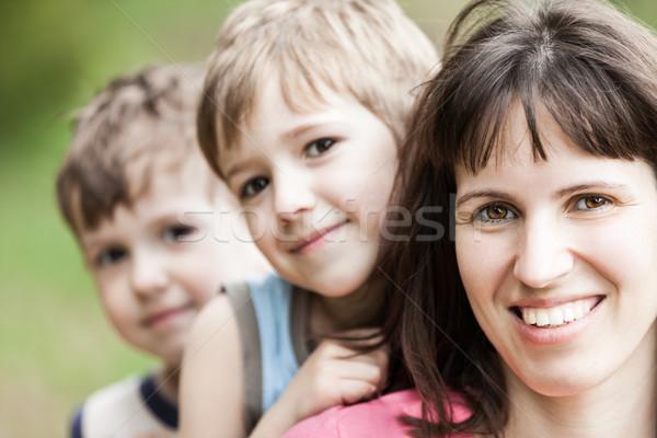 Moeder glimlachend weinig familie geluk meisje Stockfoto © ia_64